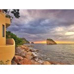 """Amazing view of the South Coast of Puerto Vallarta, including """"The arches of Mismaloya"""" http://t.co/34iPu6iZqp"""
