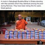 A monk in Dhaka distributing #ifthar packets for the poor! #respect #kindness #humanity #lka @gihangamos http://t.co/8wlcLTgxzH
