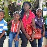 Gracias a la ley 169-14 y Plan Regularización, Juliana Deguise pudo declarar a sus hijos. http://t.co/JUK9aHce41 http://t.co/lZbXDZx0Cu