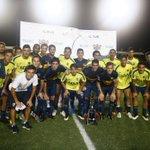 #BocaEnUSA #Amistoso El plantel con la #ChallengeCup tras el triunfo 3-0 ante @FTLStrikers. http://t.co/ahNGM7SSGL