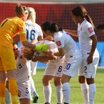 【試合後談話】 OGのバセットをかばうFWダガン「彼女はすべての選手にとってお手本」 http://t.co/Pi6zETCbdj 1日、女子W杯準決勝でなでしこと対戦したイングランドは1-2で敗れています。 http://t.co/zSJsV8fA5a