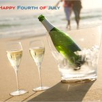 And the rockets red glare, the corks popping in air...Happy #FourthofJuly! http://t.co/iqdVJ75Y7T