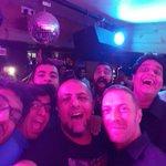 Viva la vida: When @coldplays Chris Martin surprised Delhi http://t.co/OFX6YbpnWW (Pics: @VishalDadlani) http://t.co/bG8AkXeAZP