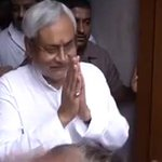 Nitish Kumar begins knock-on-doors campaign, designed by former aide of PM Modi http://t.co/X06gqdj18o http://t.co/949Z1qCRML