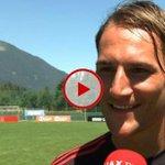 [VIDEO] @NemanjaGudelj heeft het uitstekend naar z'n zin bij #Ajax. http://t.co/44jR2JwWPz http://t.co/fYbOuZBDKB