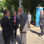 """""""Welkom op dit mini-autosalon"""" rector verwelkomt #koning Filip bij bezoek @postgraduaat @solarteam_be @FormulaBelgium http://t.co/SUtL7H4iRi"""