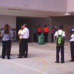 Simulacro de incendio Colegio Abel Bravo de Colón. Participan @bomberoscolon @Sinaproc_Panama @TReporta @CriticaPa http://t.co/LokpOplkYf