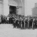 #Nantes : – il y a 100 ans: http://t.co/9VDnvCPiq6 (photo @VictorGirardN); – aujourd'hui : https://t.co/Yi7JHZi65M http://t.co/ta37THun6Y