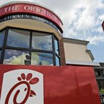 Chick-fil-A named favorite fast food restaurant in America: http://t.co/Cvi1vGdThs http://t.co/jEJxoRU1F7