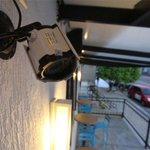 Comerciante é roubado por técnicos contratados para instalar câmeras de segurança em sua loja: http://t.co/Tm4p8Bn0Nb http://t.co/rkWLhBjGjb