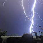 In pictures: The Lothians were dazzled by some pretty spectacular lightning last night http://t.co/B6gmeEAyHa http://t.co/GCXruq3T48