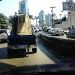 #TraficoPA Docentes de Colegio Remón Cantera cierran paños de la vía Israel que conducen a las afueras de la ciudad. http://t.co/jh5LFtu2xL