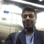 En este momento estoy encerrado en un ascensor de la legislatura del Neuquén !!! #socorro http://t.co/h1OfCArQeW