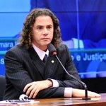 CCJ aprova parecer de @venezianovital a PL que prevê entrega de atas de convenções em 24 hs: http://t.co/ZxO8XXCqSi http://t.co/cuJ1gMZoWS