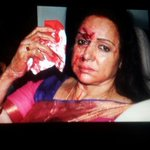 Hema Malinis Mercedez collided with an Alto in Dausa while she was en-route Jaipur. 1 child dead, 4 injured. #BJP http://t.co/hr5XuNaCzc