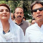 Reham bars female PTI workers from taking selfie with Imran http://t.co/JQ0kHpAMQH http://t.co/EwNivlTNQe