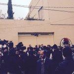 #Información Abraham Zabludovsky, Juan Ramón de la Fuente, César Costa, asistentes al entierro de Jacobo Zabludovsky http://t.co/6buNiG4Wqc