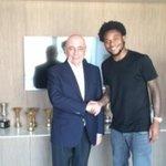 #Milan, ufficiale Luiz Adriano: contratto fino al 2020! http://t.co/sUVgWVFE0t http://t.co/0xC9xDv2dm