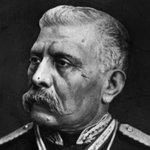 #UnDíaComoHoy pero de 1915, falleció Porfirio Díaz, ¿héroe o villano? http://t.co/Id2dLgzzkS #InfomovilNews http://t.co/HToJxIiBul