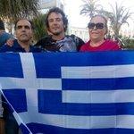 En la concentración de solidaridad con el pueblo griego. #YoVoyConGrecia #OXI http://t.co/nmTZmkjPjS