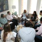Reunion @claudiapavlovic con su equipo preparan transicion @SoledadDurazo @ChapoRomo @eldaamolina @michelleriveraa http://t.co/ALZWM8MfaD