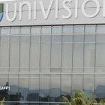 El gigante latino audiovisual Univision planea salir a Bolsa http://t.co/mMmG0JR1cy Tiene ingresos de 2.900 millones http://t.co/cMJ44kcSQn