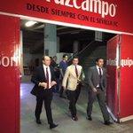 Salida de Konoplyanka del Ramón Sánchez Pizjuán. ¡bienvenido al Sevilla FC! http://t.co/MJGSDRfQUg