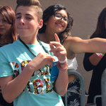 ✌️@bruhitszach is out here taking some selfies wit yaaallll! #DigiFestSD, u r all beautiful ???????????? http://t.co/WIXPNV7Xpi