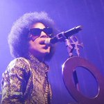 Prince removes his music from all streaming services except one http://t.co/y0gapO47oO http://t.co/CAinJ4M2wt