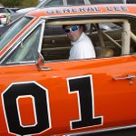 Dukes of Hazzard fan @bubbawatson will paint over Confederate flag on his General Lee http://t.co/fn9zv3D3Vw http://t.co/HuRTGdjgTM