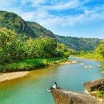 Sungai Oyo,bukit,pepohonan yg hijau bersatu padu & seirama membuat suasana mnjadi sangat indah foto Ig: viviistiqomah http://t.co/M7yyYJLUF4