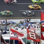 NASCAR asks fans to stop displaying Confederate flags http://t.co/x5m6ABlYGb http://t.co/DNb90knaBv