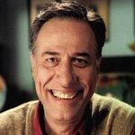 Usta oyuncu Kemal Sunalı kaybedişimizin 15. yıl dönümü bugün. Kahkahayı öğrendiğimiz aktör, ruhun şad olsun.. http://t.co/hvg5RiJMxA
