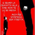 La cravatta di Renzi era troppo stretta per Tsipras. E lui non se lè volta mettere... via @maurobiani http://t.co/ErdDE4cZnD