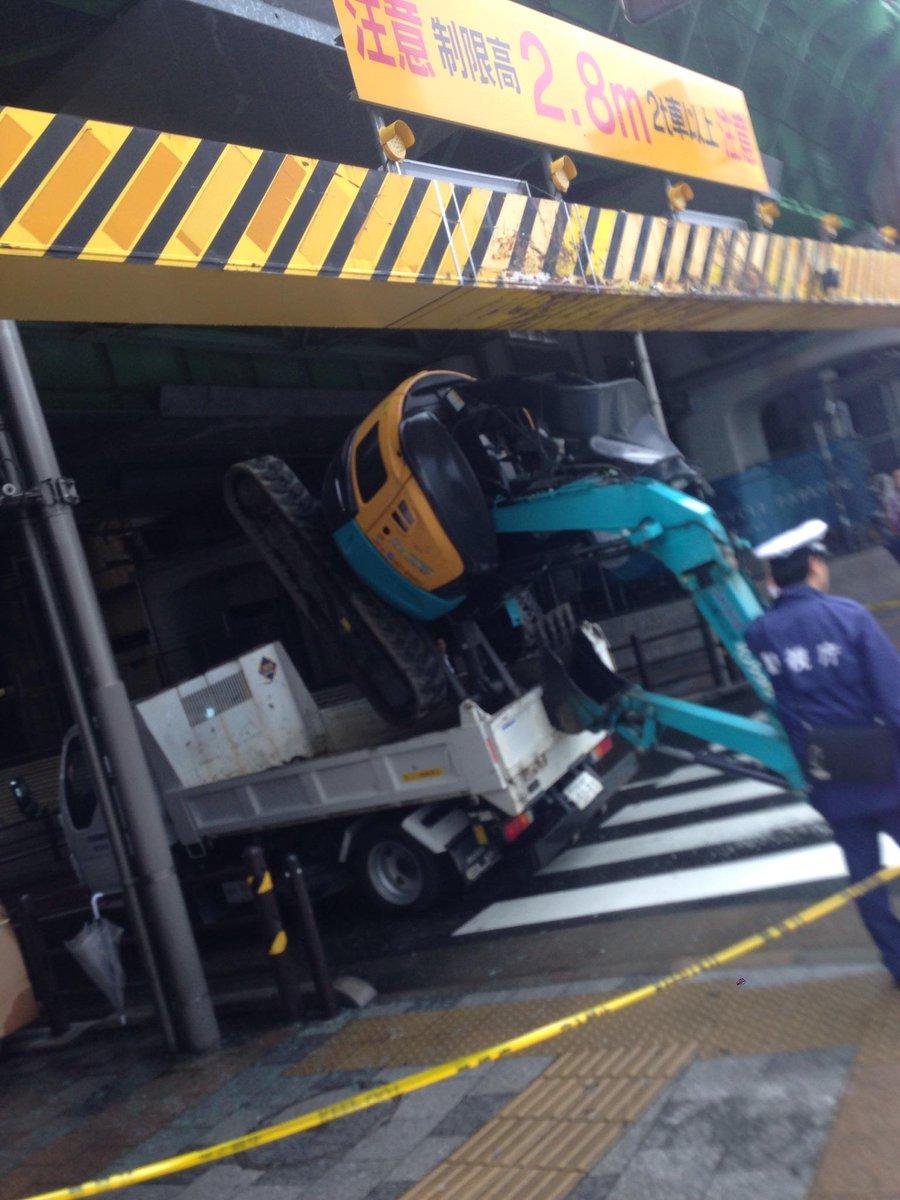 秋葉原の駅前で事故!(◎_◎;) http://t.co/scZezqz4MF