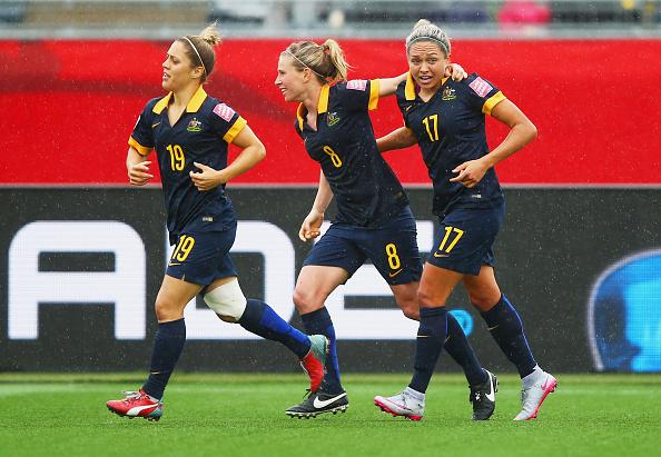 FULL TIME: Brazil 0 - 1 Australia (Simon 80')  HISTORY!!! @TheMatildas are through to the @FIFAWWC Quarter Finals http://t.co/7fjO2OiZdf