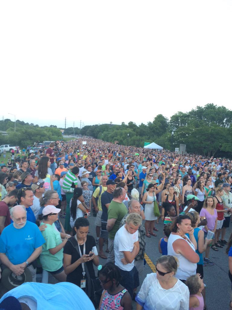 Good conquers evil. RT @lainiefritz: Never seen anything like it. #CharlestonUnityChain #CharlestonSTRONG http://t.co/RI8wbdKYDP