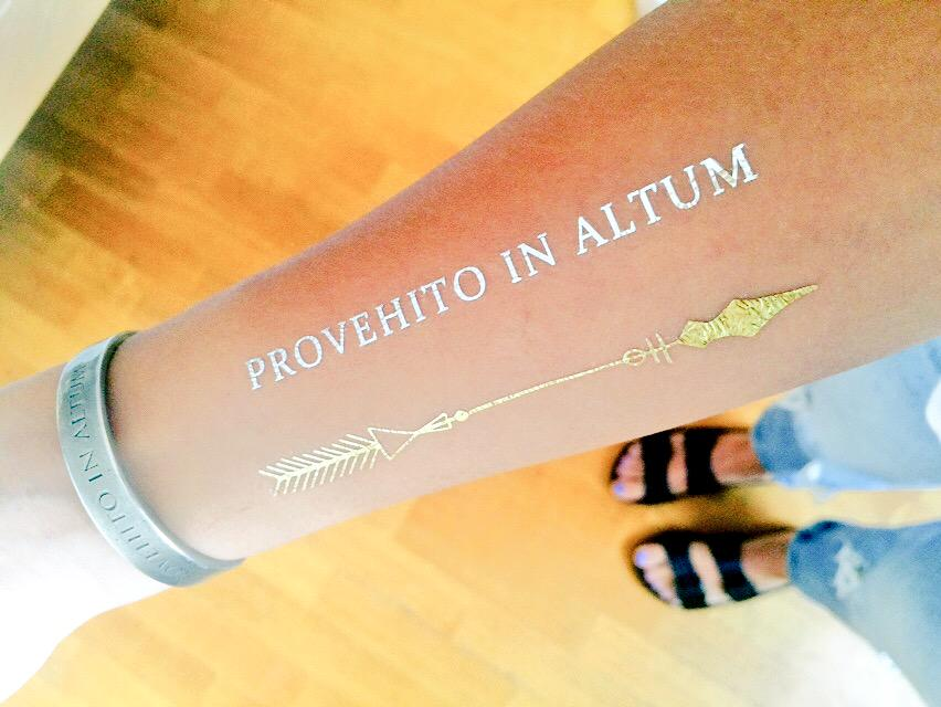 RT @Echelonsoul490: Today's all about Provehito in Altum ???????? Thank you @MARSStore for my cuff + tattoos @30SECONDSTOMARS http://t.co/F7FFOQ8…