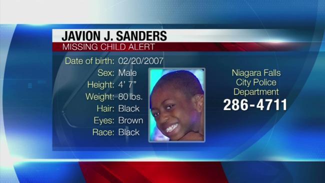 Please RT Boy last seen Sat nite in Niag Falls wearing black shirt w red & green letters, khakis, blue & orange shoes http://t.co/t7euUNtFZ2