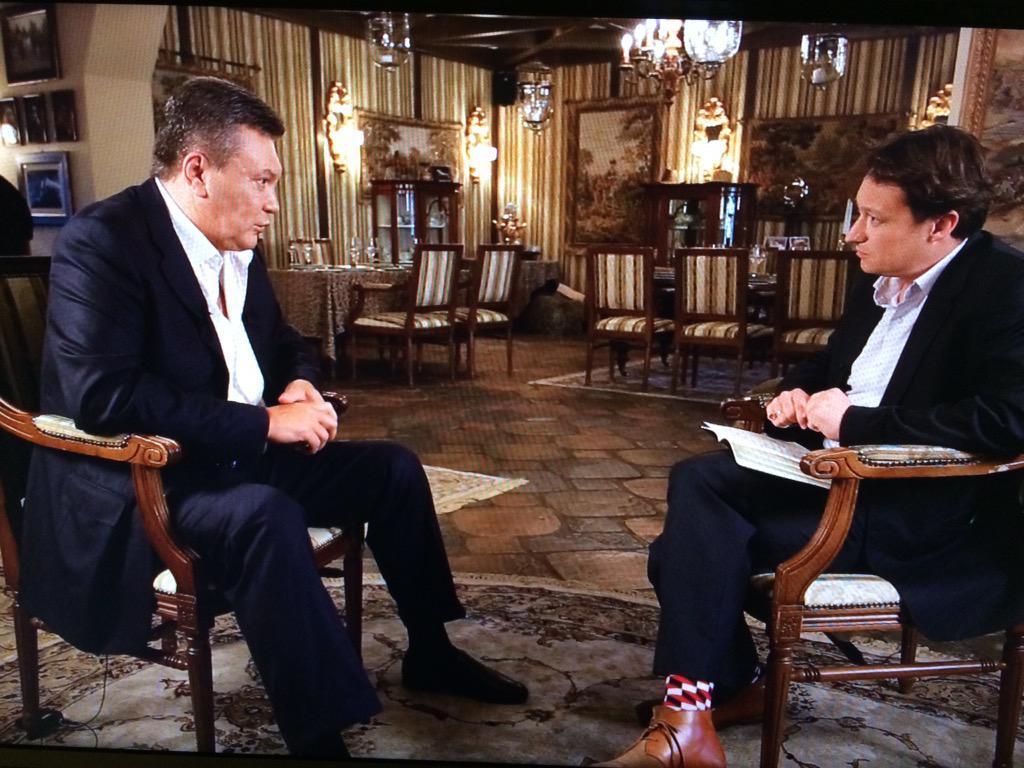 Ex-Ukrainian president Yanukovich talks to @BBCNewsnight tonight: 1st interview w western media since war in Donbas http://t.co/ZHVFopBPiZ
