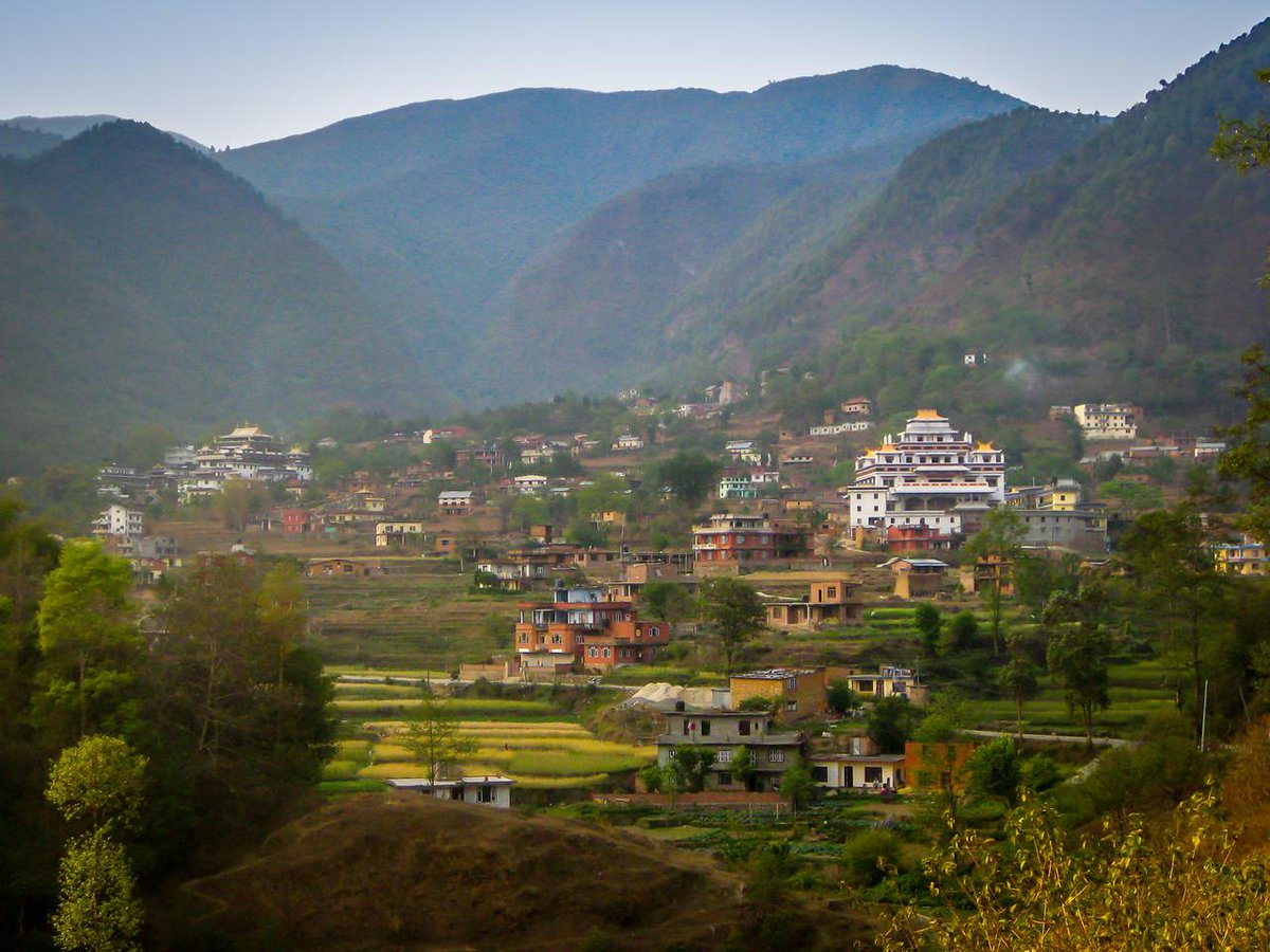 New post!>> In which I make a case for why you should plan a trip to Nepal: http://t.co/kB3gHra1pc http://t.co/pdopdcY70z