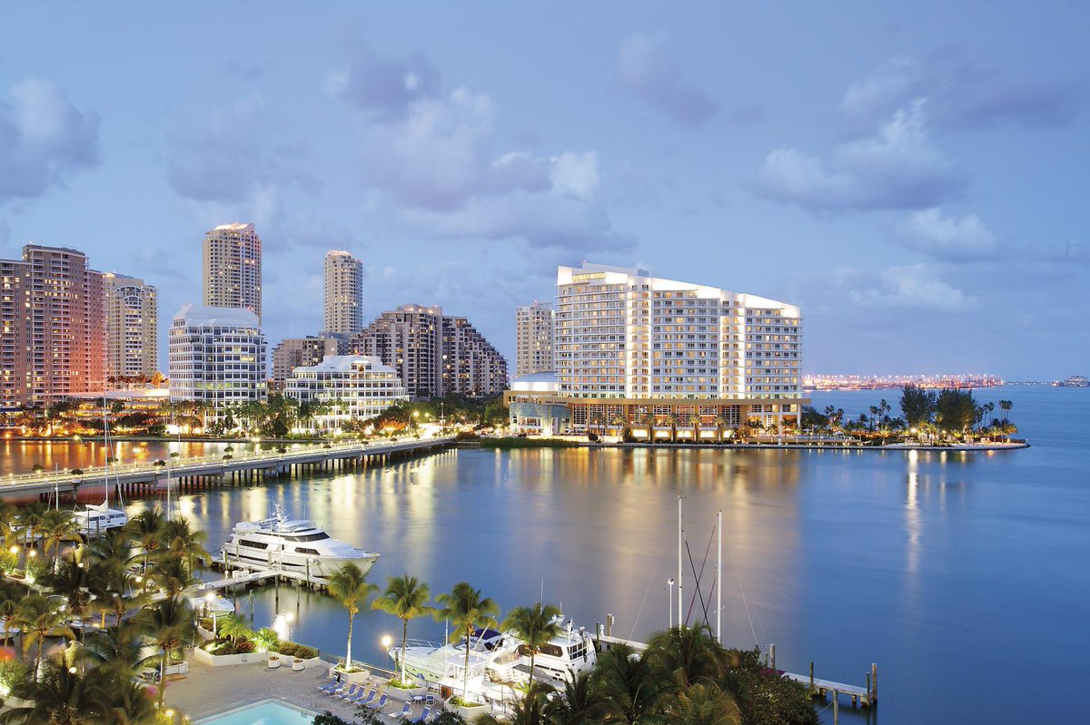 Visit us this summer w/ our Offers for FL residents, families, suites & more! #MiamiSummer http://t.co/DZFDFzOgNm http://t.co/XELCFAf9OV
