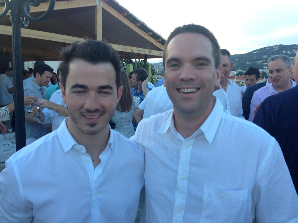 Hanging with @kevinjonas @Cannes_Lions    Hands down nicest celeb I've met. http://t.co/Y016Yujiwa