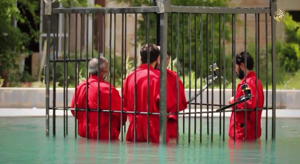 【イスラム国】数珠繋ぎにした捕虜を爆破処刑など(動画+画像)