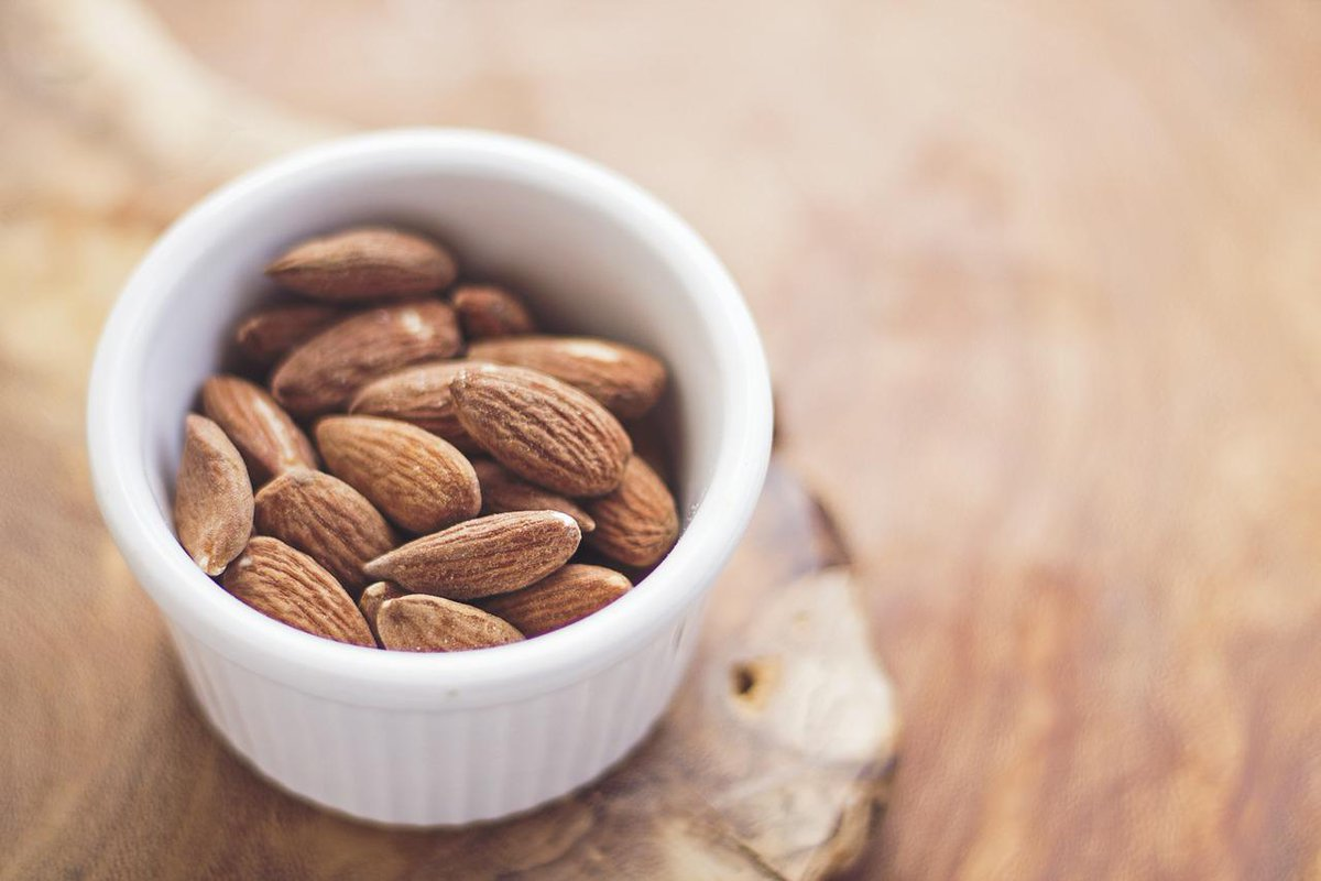 RT @peta: Almonds are a great source of protein! 1/4 cup has 8 grams & almond butter packs 7g. #VeganProtein #PoweredByPlants http://t.co/z…