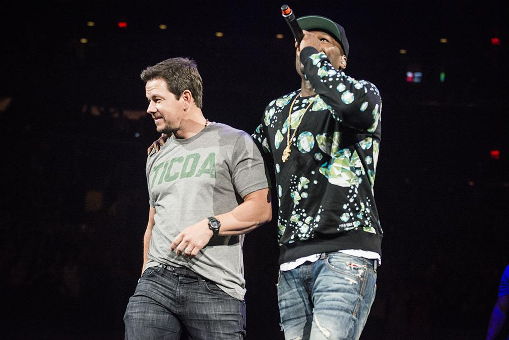 Pictures from last night @ MSG : New Kids on The Block, 50 Cent, Mark Wahlberg,.. : http://t.co/sgz4mC3OA3 http://t.co/wy5aVJzvjL
