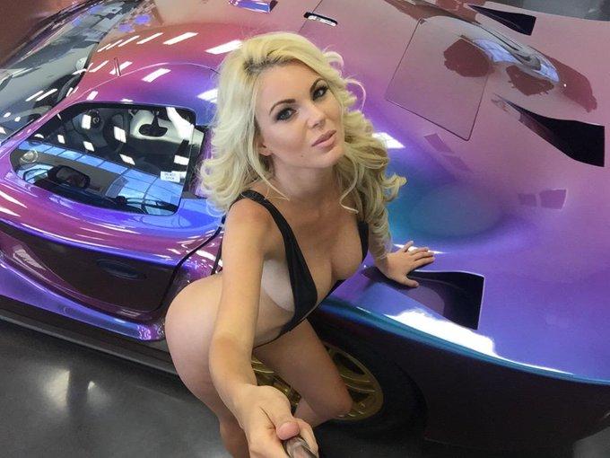 #TuesdayTease @Playboy @PlayboyPlus @PlayboyMagSA @Playboy_NL @PlayboyMX @PlayboyVzla #MartesDeEspejo