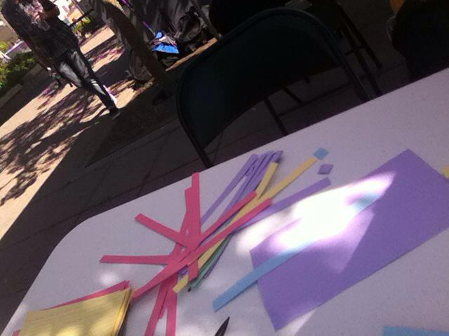 Preparing for origami at henderson lightrail station! http://t.co/aIUFWwuX95