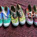RT @Ahambhumika: Pre-order hand painted shoes made by a rural girl to make out a living.To pre-order mail ahambhumika@gmail.com