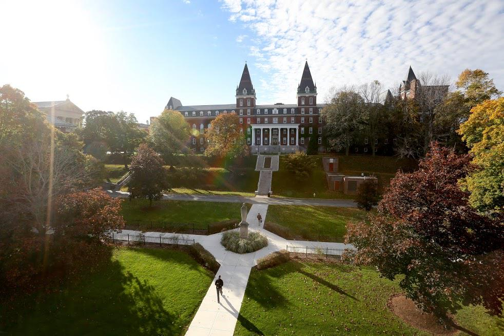 @USATODAY ranks #HolyCross No. 4 among the 10 Best Colleges in Massachusetts http://t.co/EvNhvIwx8e http://t.co/5Rlf0YhKBI